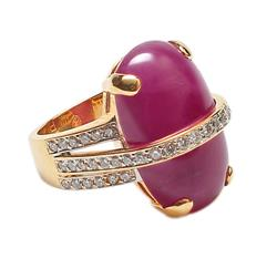 Oval cabochon Ruby and diamonds Ring