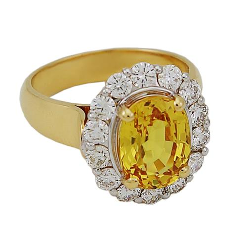 Oval Yellow Sapphire and diamonds Ring